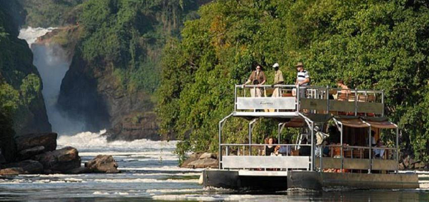 Visit two of Uganda most popular / visited national parks with this affordable 5 days Uganda gorillas and wildlife safari. This safari highlights a game viewing and boat cruise at Murchison Falls National Park and mountain gorilla trekking in Bwindi Impenetrable National Park.